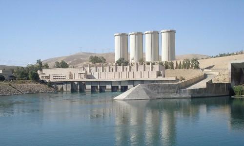 Iraq massacre reported as U.S. strikes target militants at Mosul dam