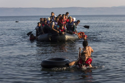 More than 1 million migrants crossed into Europe in 2015, migration organization says