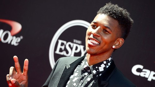 Nick Young officially re-signs with Lakers