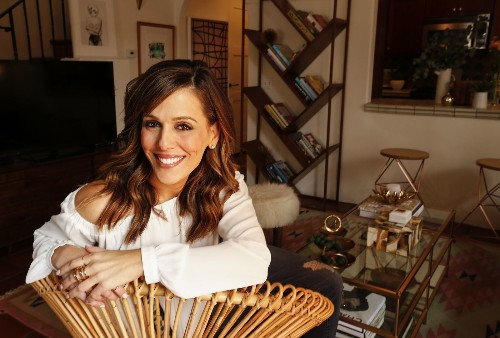 Downsizing to a rental means a brighter, more colorful life for this KTLA news anchor