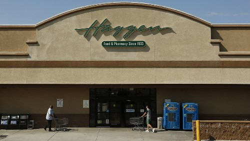 Grocer Haggen files for bankruptcy and replaces executive after failing to win over shoppers
