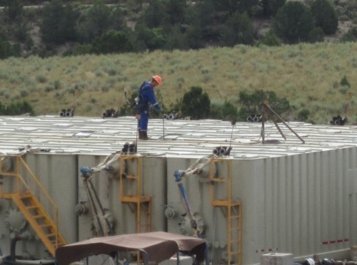 Fracking workers exposed to dangerous amounts of benzene, study says - Los Angeles Times