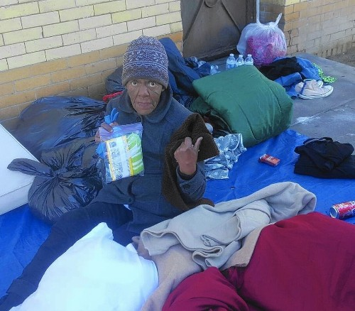 Homeless woman died of exposure on skid row sidewalk during El Niño storm - Los Angeles Times
