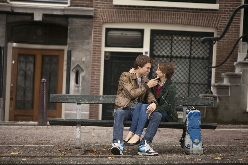 'The Fault in Our Stars' is out for tears, and gets them, reviews say