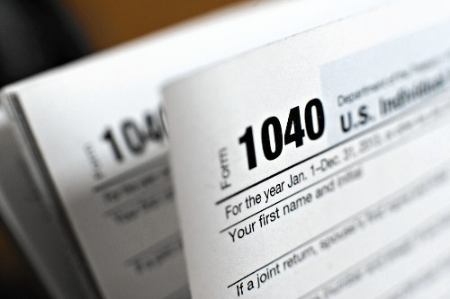 Year-end tips may yield tax savings - Los Angeles Times