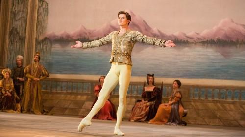 'White Crow' celebrates dancer Rudolf Nureyev's life and legend