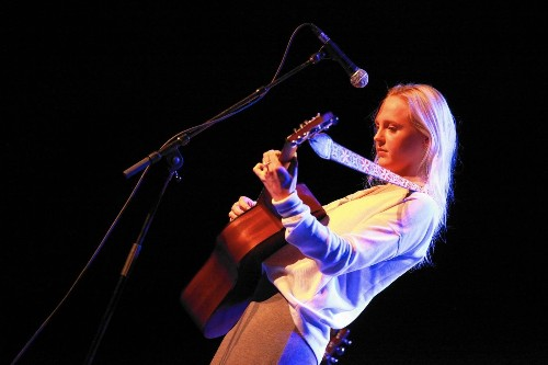 A beautiful L.A. kiss-off from the departing Laura Marling - Los Angeles Times