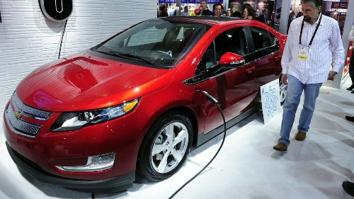 The plug-in hybrid car hits its stride, just in time to die