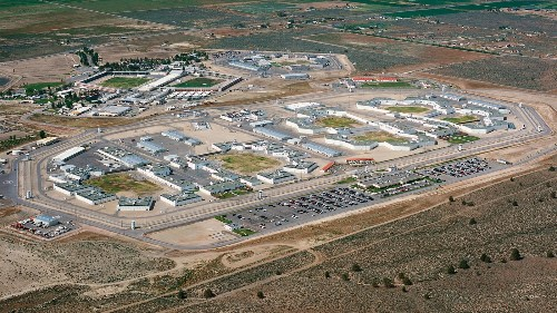 Prison riot leaves several inmates in hospital - Los Angeles Times