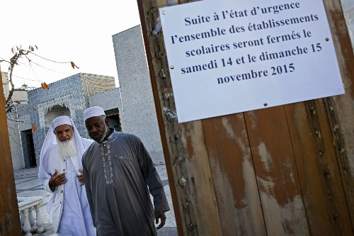 French Muslims fear reprisals in wake of Paris terrorist attacks