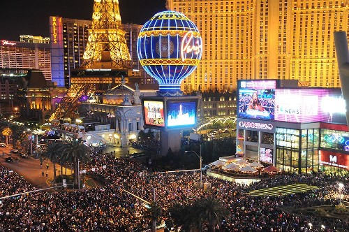 Everyone loves Vegas: It's U.S. travelers' top pick, a survey says - Los Angeles Times