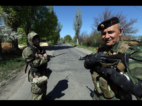 Ukraine separatists hunker down and hope Putin will come to their aid - Los Angeles Times