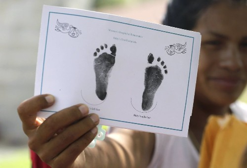 Judge: Texas can deny birth certificates for U.S.-born children of some immigrants