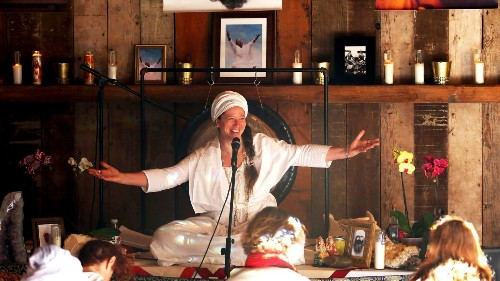 How Guru Jagat helps you get your groove back in a techy and complex era - Los Angeles Times