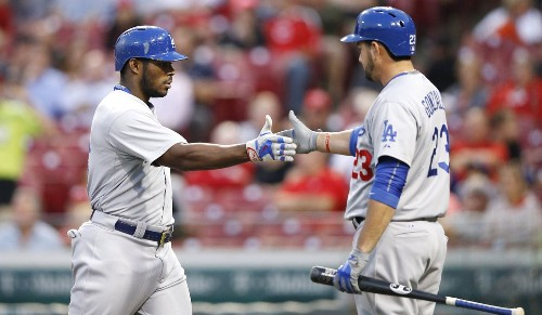 Dodgers back to home-run routine in 7-4 win over Reds