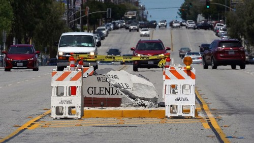 Once again a car crashes into a 'Welcome to Glendale' sign