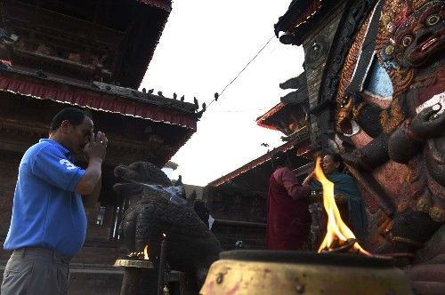 U.S. sending as many as 500 troops to help with Nepal quake recovery