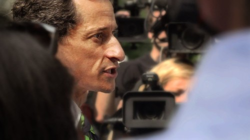 Politics and cellphones make strange bedfellows in documentary 'Weiner'