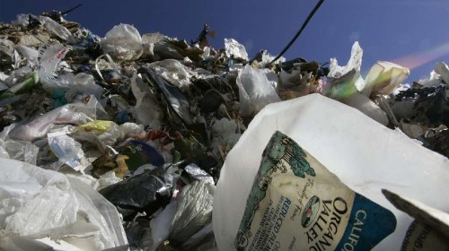 From trash to treasure: Scientists turn plastic bottles and bags into liquid fuel