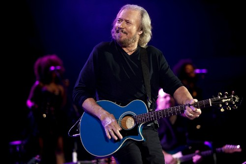 Barry Gibb: A broken heart mended at the Hollywood Bowl - Los Angeles Times