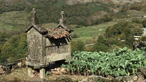 Walk along ancient paths in self-guided tour of northern Portugal - Los Angeles Times