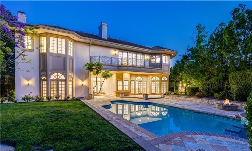 Actors Jonathan Frakes and Genie Francis float Woodland Hills mansion for $4 million