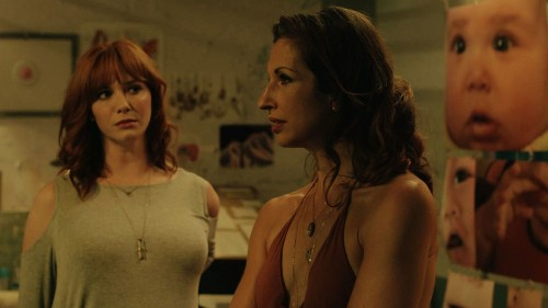 Review: The meaning of motherhood is at stake in the biting comedy 'Egg' - Los Angeles Times