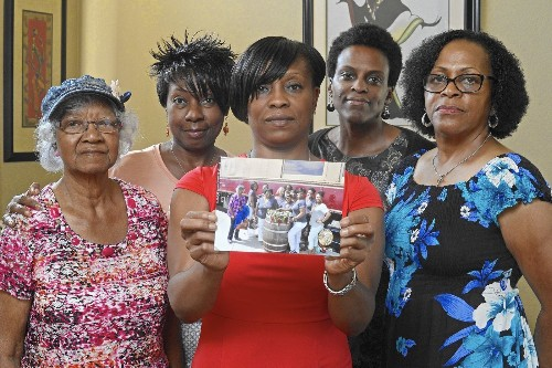 Black women kicked off Napa Wine Train to sue for discrimination - Los Angeles Times