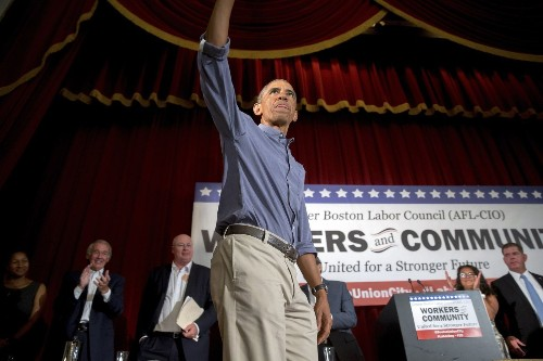 Obama orders paid sick leave for workers at federal contractors