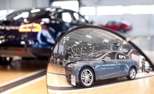 Tesla far surpassing output goals, Elon Musk says