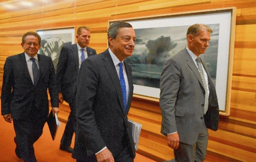 Deflation-wary European Central Bank cuts deposit rate to below zero - Los Angeles Times