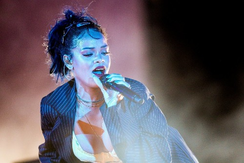 Rihanna is teaming with Samsung for 'Anti,' unveils album website