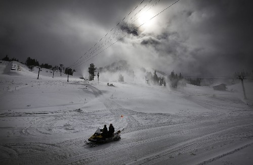 At Mammoth, 3 feet of snow brings an early opening (Thursday) -- and $50 lift tickets