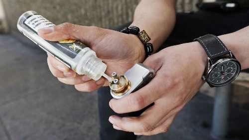 San Francisco weighs first U.S. city ban on e-cigarette sales