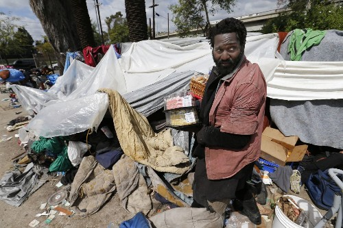 Lawsuit says L.A. endangered homeless people by seizing their tents and shopping carts