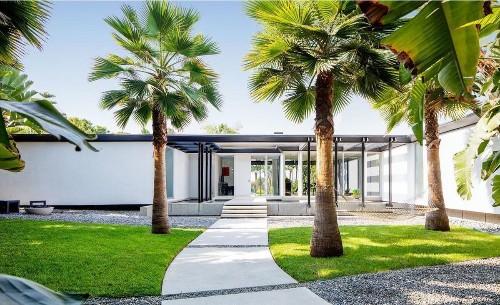 Fashion designer Hedi Slimane seeks $17.5 million for chic Beverly Hills home - Los Angeles Times