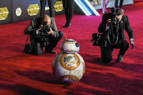 'Star Wars: The Force Awakens' premiere looks backward with nostalgia — and forward with a new hope - Los Angeles Times