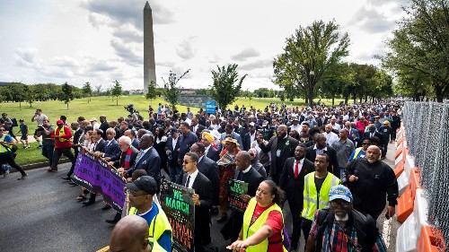 Marchers head from Charlottesville to Washington to protest white supremacy