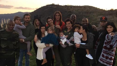 Kylie Jenner posts Thanksgiving shot of the Kardashian gang, her 'blended family'