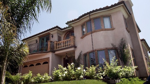 L.A. has a growing mansionization problem