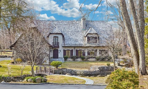 Former East Coast home of KISS drummer Peter Criss looks to snare a buyer