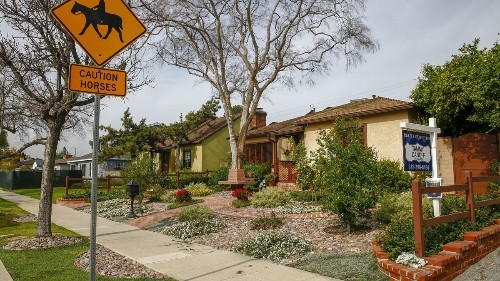 Home prices fall in Southern California for the first time in 7 years
