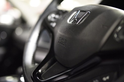 Honda and Takata sued by woman claiming airbag paralyzed her - Los Angeles Times