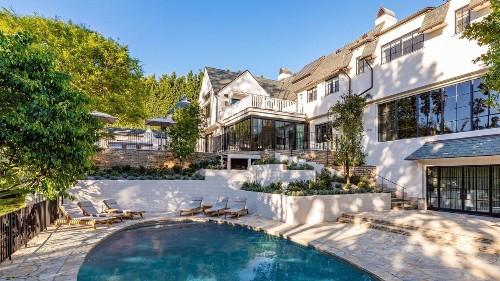 Adam Levine and Behati Prinsloo continue real estate shake-up