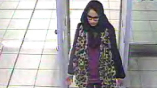 British teen who joined Islamic State has her baby in Syria, family says