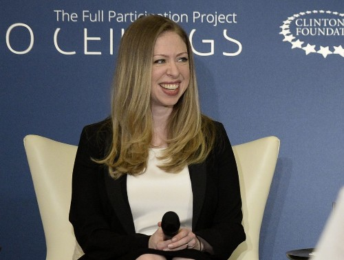 Bill, Hillary Clinton are grandparents: Chelsea gives birth to a girl - Los Angeles Times