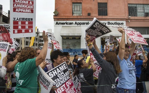 American Apparel workers protest layoffs and store closings