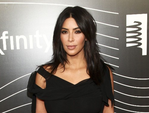 Kim Kardashian's robbery ordeal, from begging for her life to dealing with the aftermath - Los Angeles Times