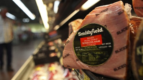 Chinese-owned pork producer is getting U.S. bailout money to protect it from China's tariffs - Los Angeles Times