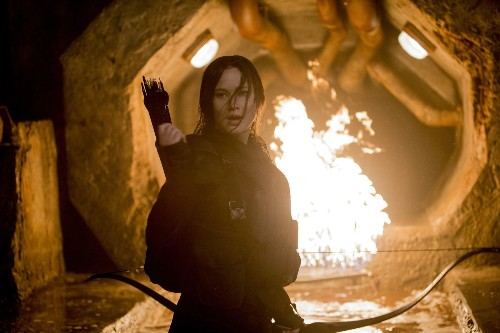 Katniss is the best reason to stick with 'The Hunger Games: Mockingjay -- Part 2,' reviews say - Los Angeles Times